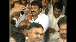 Watch tremendous fan following for Chiranjeevi; 1st time M..