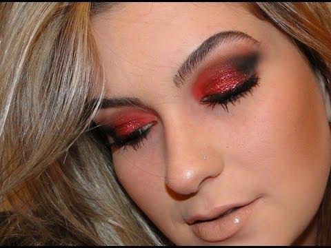 Maquiagem vermelha por Alice Salazar