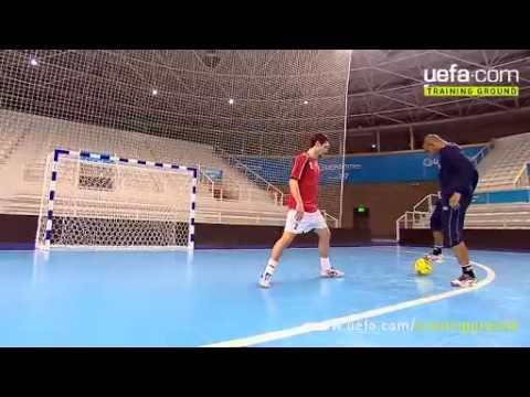 играть в футбол пенальти