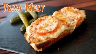 Sandwich de atún con queso fundido