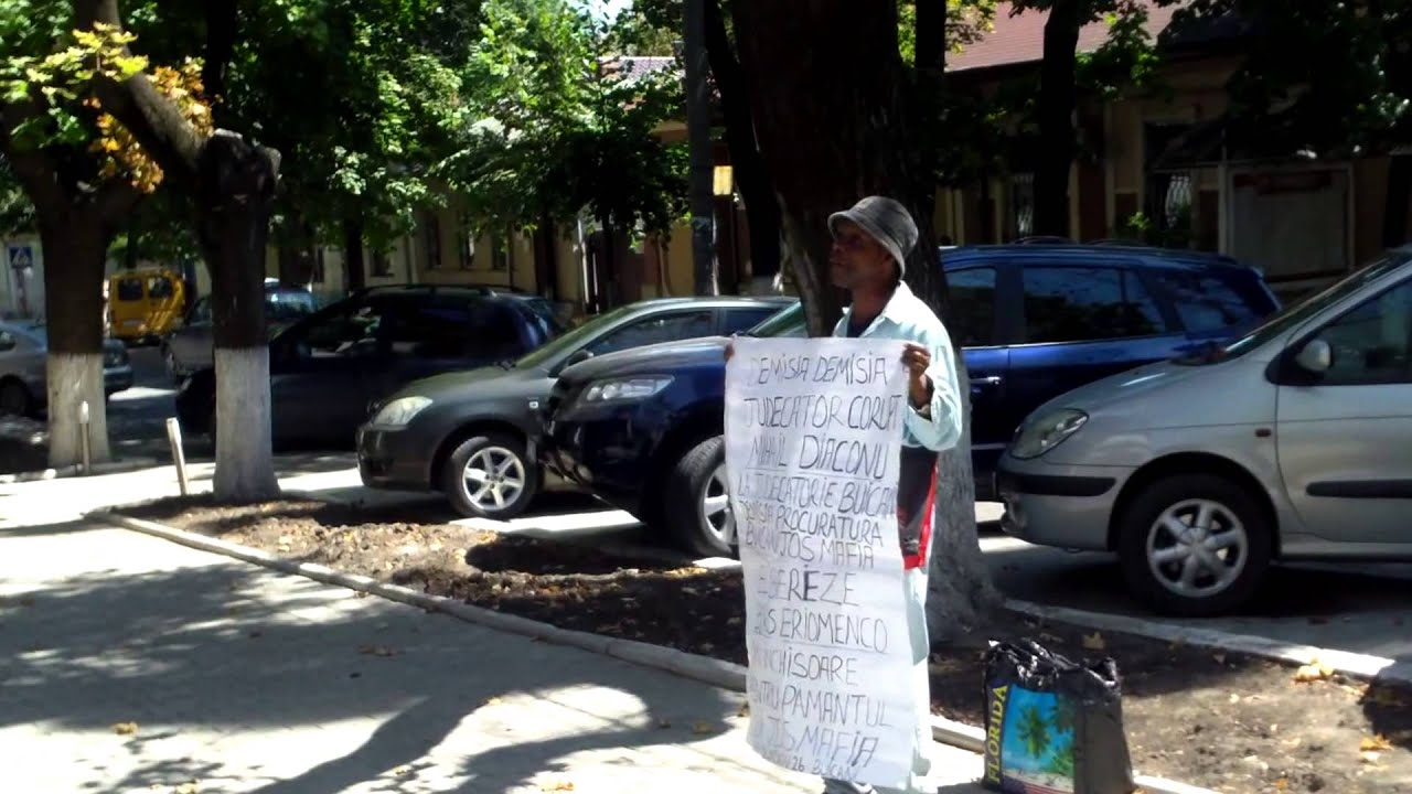 Eriomenco e deja închis, Diaconu e încă liber