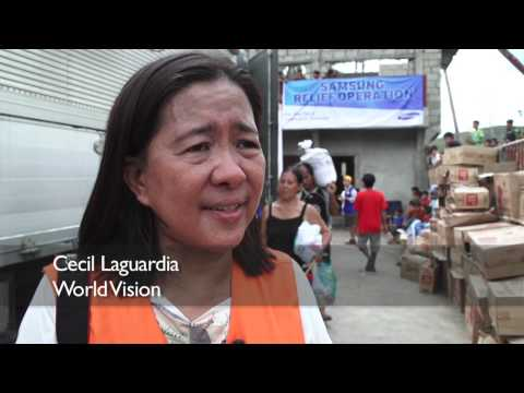 Philippines: Typhoon Haiyan - Relief Distribution | World Vision
