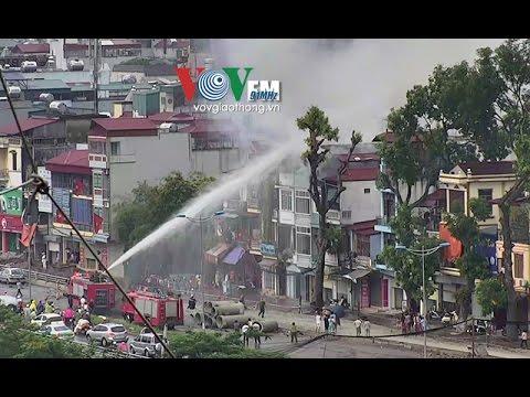 Cảnh sát PCCC dập tắt đám cháy tại nhà số 80 đường Bưởi