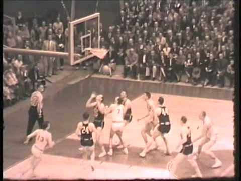 First basketball game at Allen Fieldhouse - YouTube