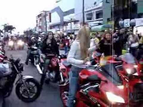 mulherada de moto