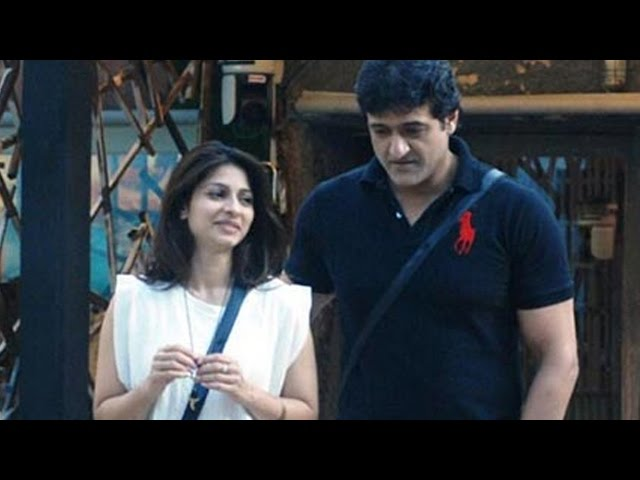 Bigg Boss - 21st November 2013 : Tanisha - Armaan CAUGHT in a COMPROMISING POSITION in the house