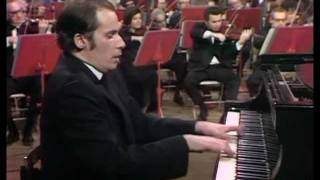Glenn Gould-Beethoven-Piano Concerto No. 5-part 2 Of 4