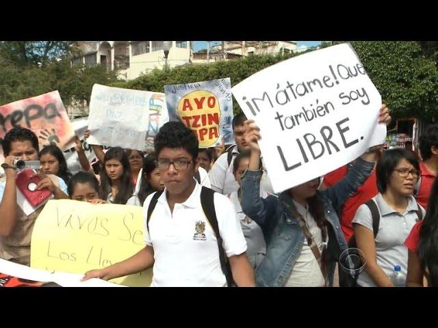 Mexican students continue to protest