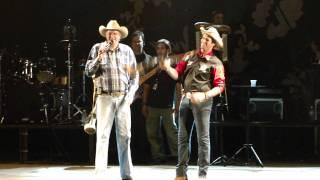 Padre Junior Periquito Cantando Com Sérgio Reis