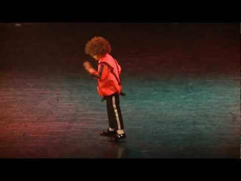 Theo Mini King Of Pop @ D2X - The Show Part 2
