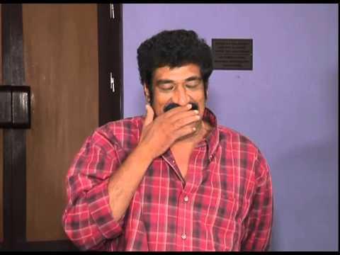 Erra-Bus-Movie---Preview-Meet---Dasari-Narayana-Rao--Manchu-Vishnu--Catherine-Tresa