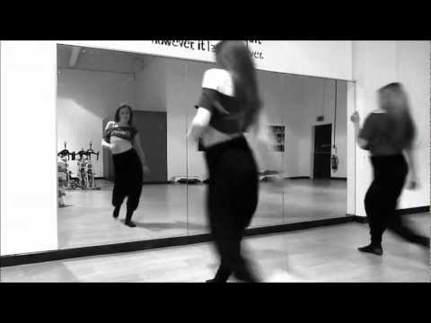 Beyonce feat Shakira - Beautiful Liar