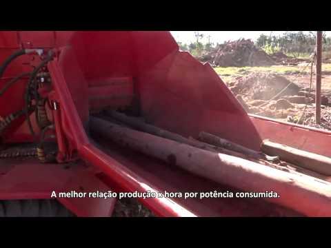 Picador de Madeira a Disco PDF 420 HDR-GE triturando madeira com alta performance