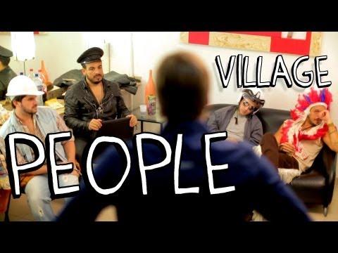 """Membro dos Village People EXPULSO por não estar sintonizado com o """"espírito"""" da banda..."""