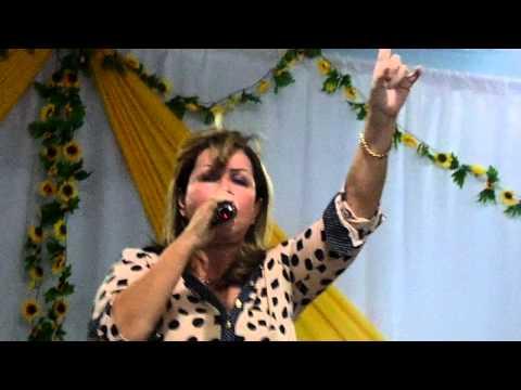 Shirley Carvalhaes tanque de betesda em Nilopolis
