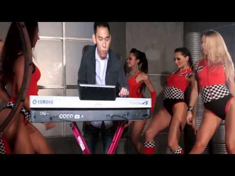 Con Buom Xinh Keyboard solo