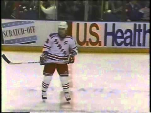 Chicago Black Hawks - 1 @ New York Rangers - 4 February 25, 1992 Dominik Hasek Doug Weight