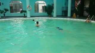 Bơi Ếch - Cách học bơi cơ bản dành cho người lớn