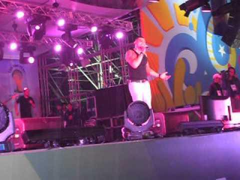 Naldo Benny na Fan fest Brasília - Meu corpo quer você