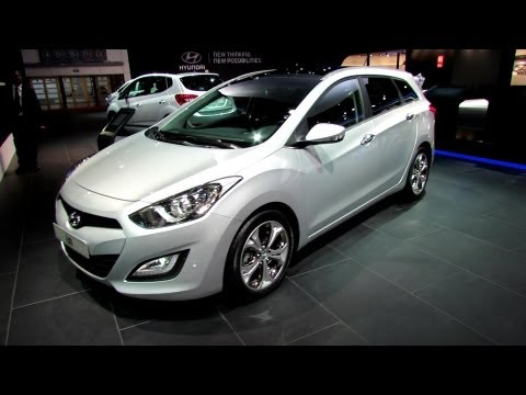 2013 Hyundai i30 Sport Wagon Diesel - Exterior and Interior Walkaround - 2012 Paris Auto Show