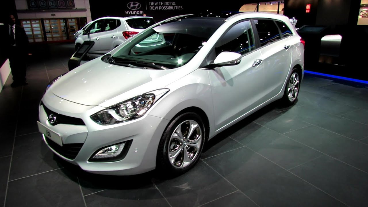 2013 hyundai i30 sport wagon diesel exterior and interior walkaround 2012 paris auto show. Black Bedroom Furniture Sets. Home Design Ideas