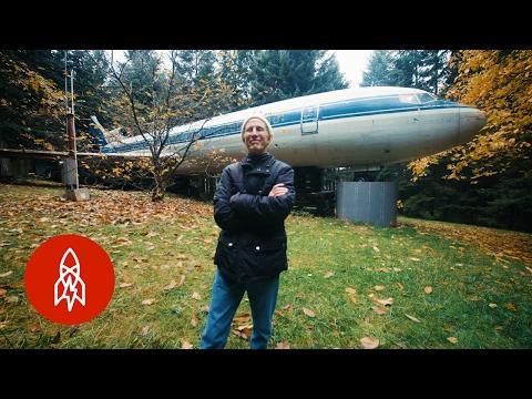 这位老爷爷住波音727客机20年 梦幻豪宅应有尽有