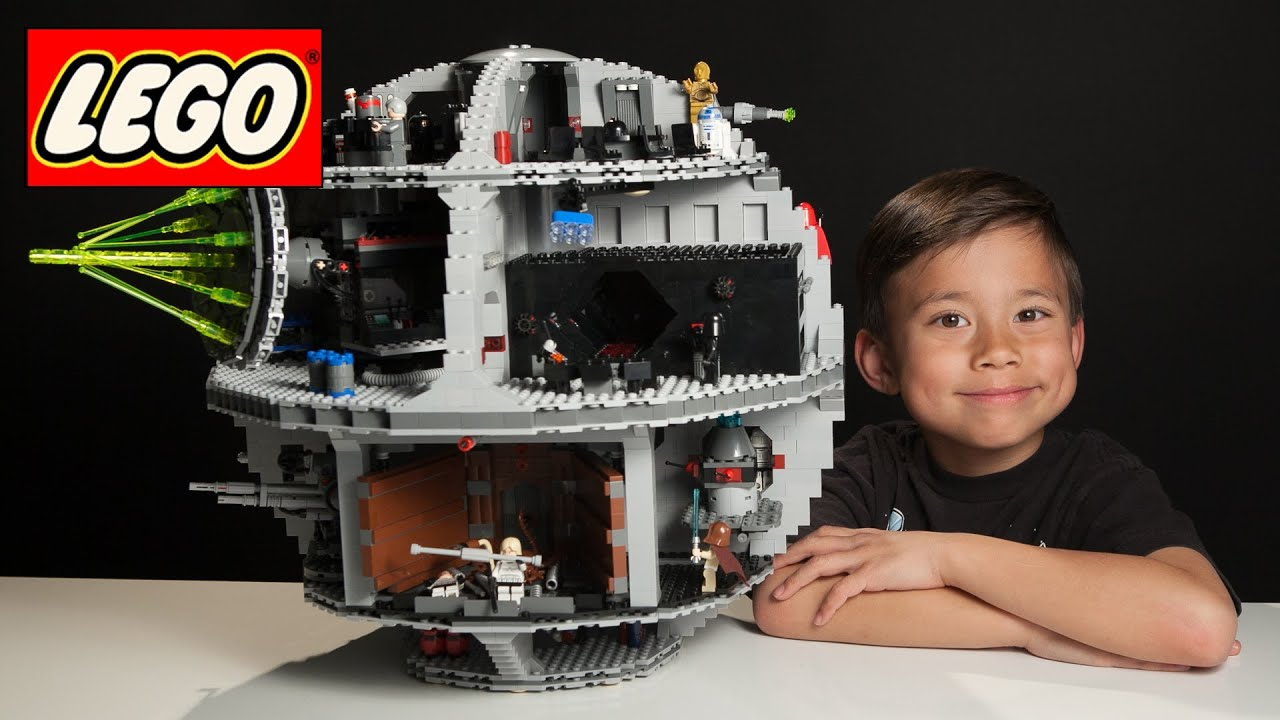 7 Year Old Builds Lego Death Star In 3 Minutes Time