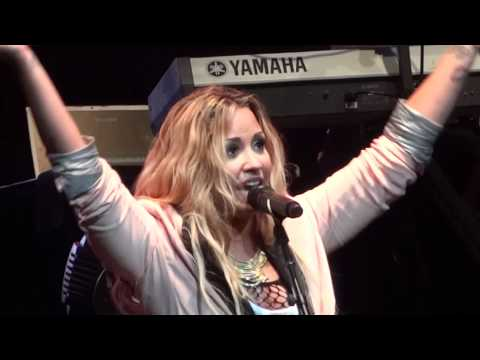 "Demi Lovato - ""Here We Go Again"" and ""La La Land"" (Live in Del Mar 6-12-12)"
