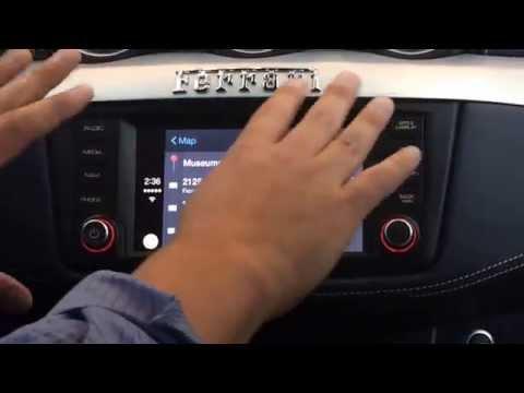 アップル『CarPlay』デモ