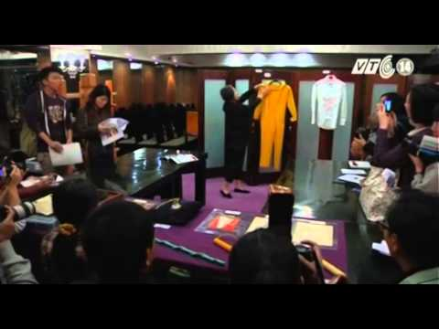 VTC14_Bộ quần áo màu vàng của Lý Tiểu Long có giá hơn 2 tỷ VNĐ