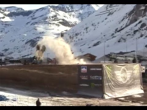 Guerlain Chicherit Huge Crash @ 2014 Jump for World Record