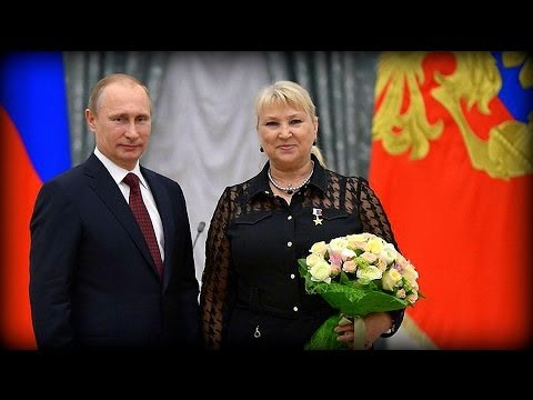Vladimir Putin Awards 'Hero Of Labour' Medals | In Pictures | May 2014