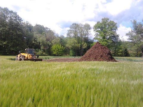 Traktory na poli - Hnojení 1 mpg.