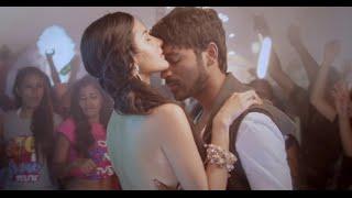 Anekudu-Movie-Trailer-Dhanush-Amyra-Dastur-Karthik