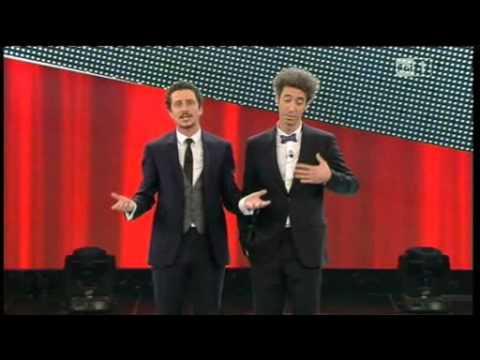 Sanremo 2011 - Luca e Paolo su Saviano, Santoro, Fini e Montezemolo.
