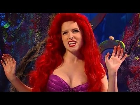 Anna Kendrick Disses Selena Gomez, Britney Spears & Kesha - Little Mermaid SNL Skit