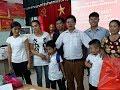Vụ trao nhầm con tại Ba Vì: 2 trẻ đã chính thức trở về với cha mẹ đẻ [Tin mới Người Nổi Tiếng]