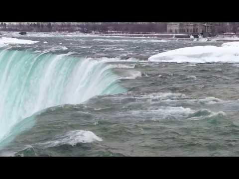 Niagara Falls frozen (horseshoe falls) Ice falling down