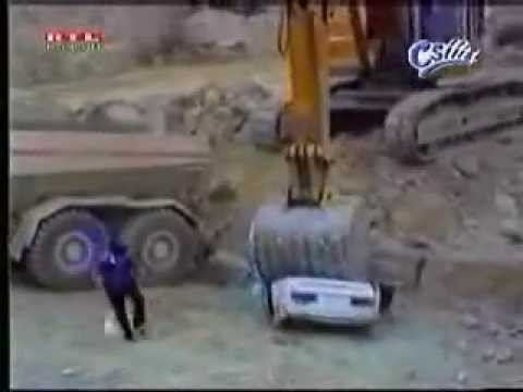 Don't piss off a heavy equipment operator!