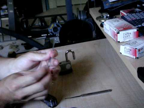 How to Pick a lock with a Paper Clip (tutorial)