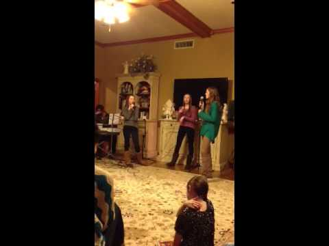 Ally & Macy Moore & Sadie Robertson singing I'll Be Home for Christmas