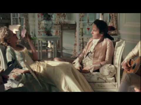 French Queen MARIE ANTOINETTE ( Kirsten Dunst )