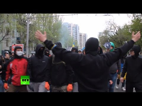 Donetsk violence video: Tension, anger, brutality unleashed on east Ukraine city streets
