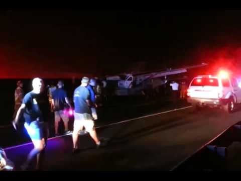 Mokulele Airlines Makes Emergency Crash Landing On Pi'ilani Highway South Maui 10-21-2013