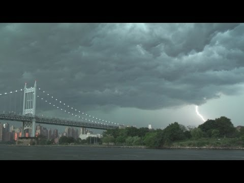 NYC Thunderstorms & Amazing Shelf Cloud Over RFK Bridge 7.26.12