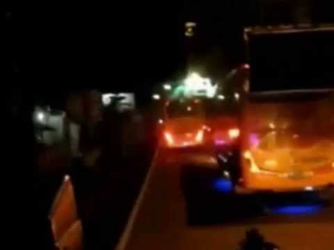 Kumpulan Video Goyangan Bis Bismania - Awesome Bus Maneuver Compilation