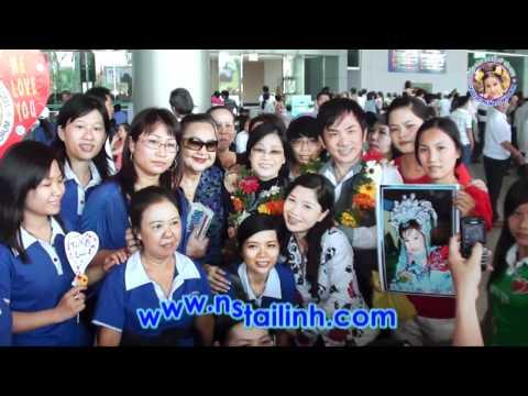 Fans đón NS Tài Linh tại sân bay TSN - 31/03/2011