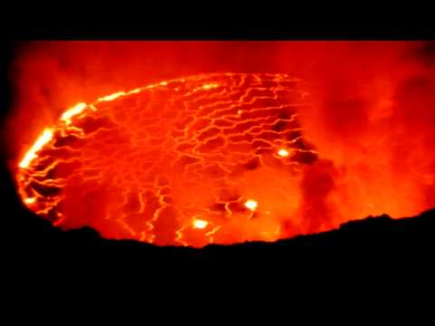 Nyiragongo volcano in Congo, the World greatest lava lake !