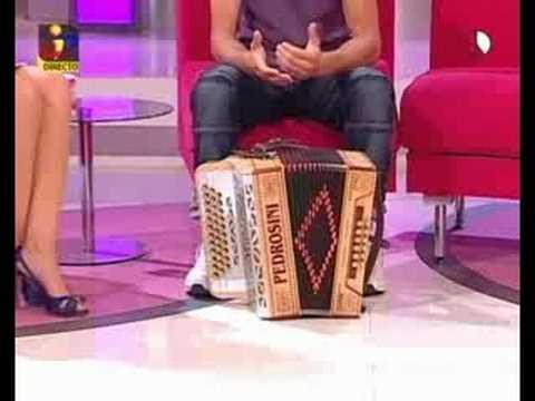 Leonor Poeiras - Belas pernas na TVI