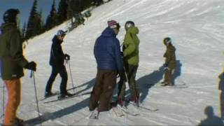 Angry skier dad tries to fight snowboarders
